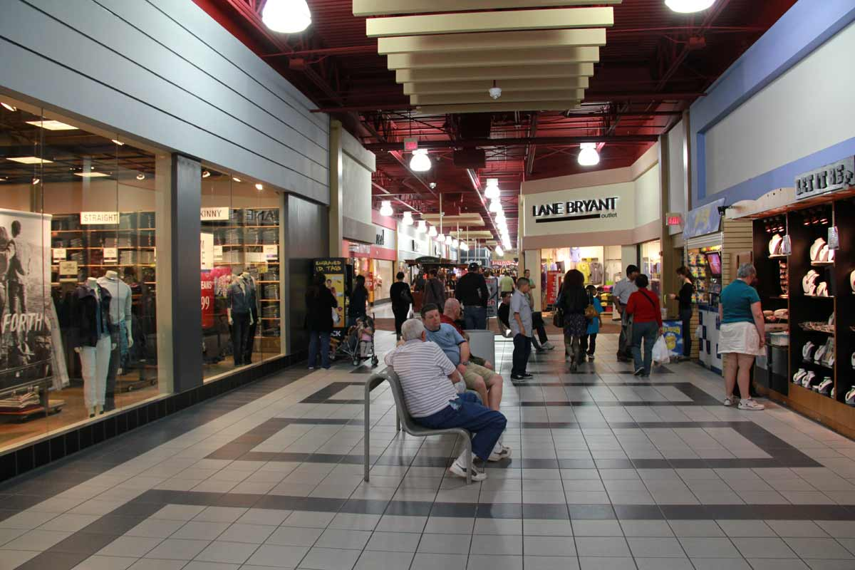 Information about possible store closing and store hours for: Tommy Hilfiger in Primm, Nevada,